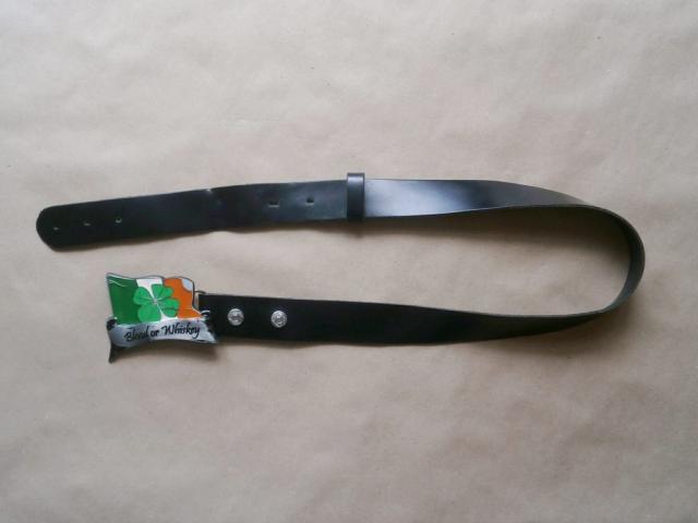 Černý pásek s přezkou Blood or Whiskey
