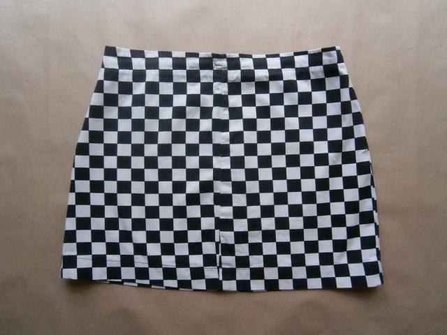 S/M . černo-bílá kostkovaná sukně