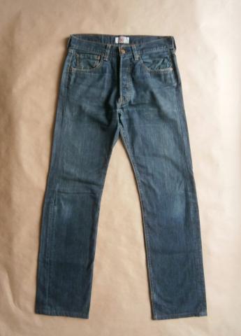 32/34 . Levi's . tmavě modré džíny 501