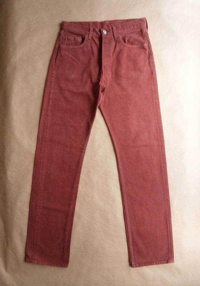 32/34 . Levi's . červené džíny 501