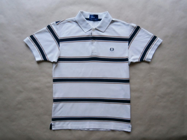 S . Fred Perry. pruhované polo