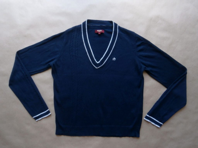 L . Merc . tmavě modrý svetr s bílým proužkem