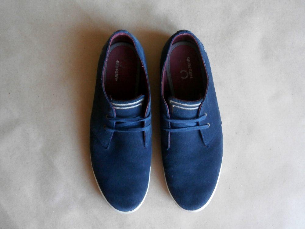 43 . Fred Perry . tmavě modré semišové boty