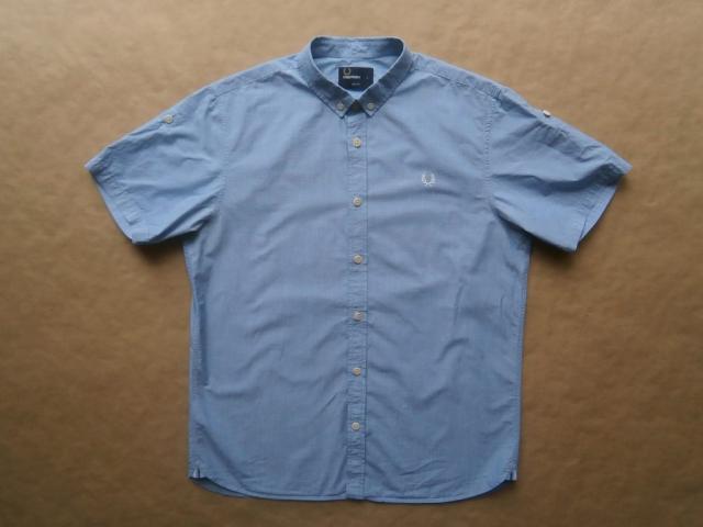 L . Fred Perry . světle modrá košile