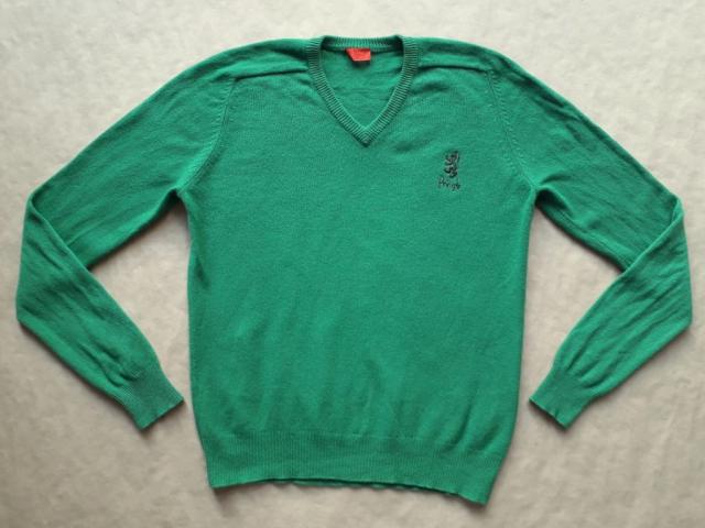 L . Pringle of Scotland . zelený svetr