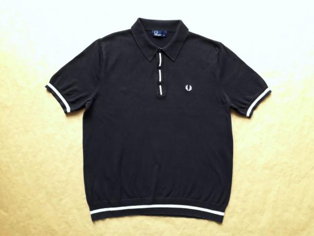 XL . Fred Perry . černé pletené polo s krémovým proužkem