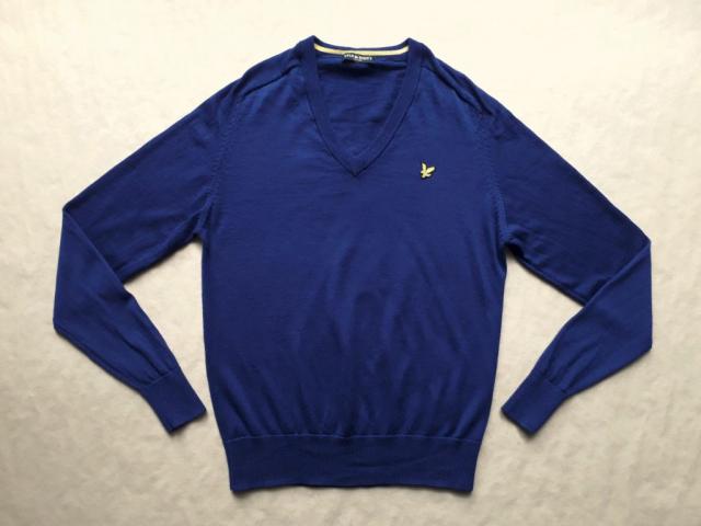 M . Lyle & Scott . tmavě modrý svetr