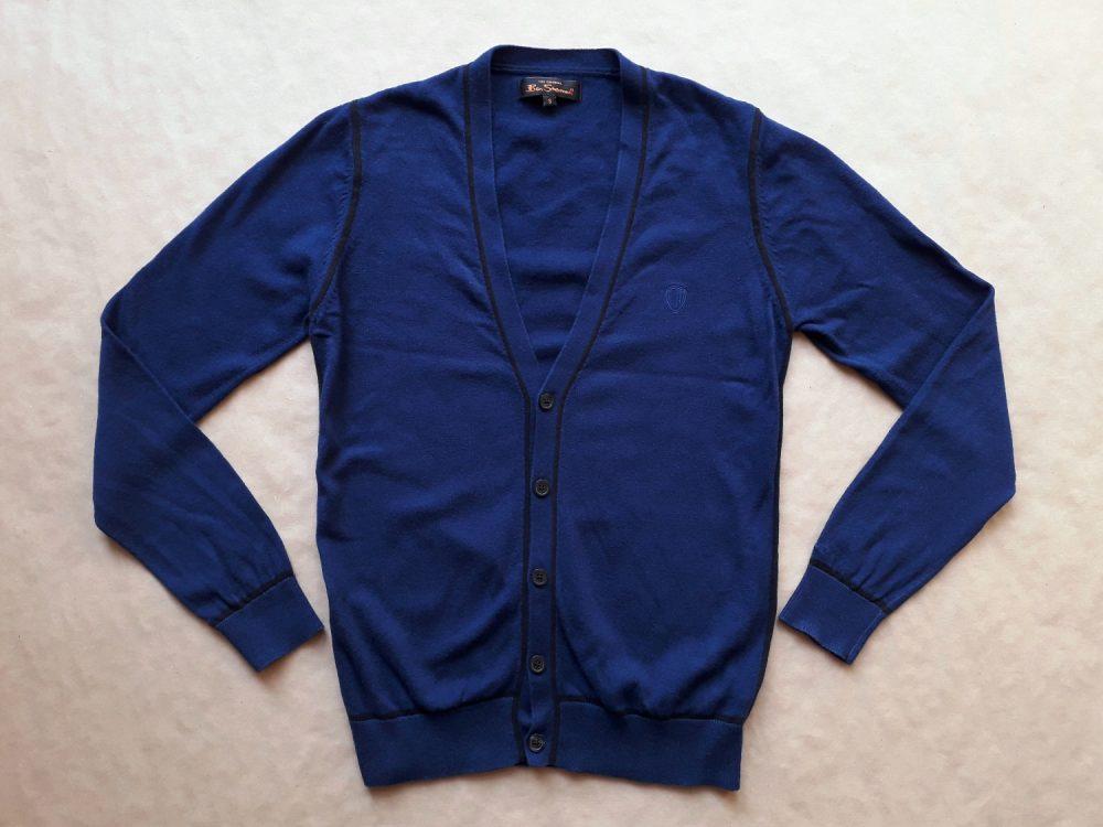 S . Ben Sherman . tmavě modrý cardigan s černým proužkem