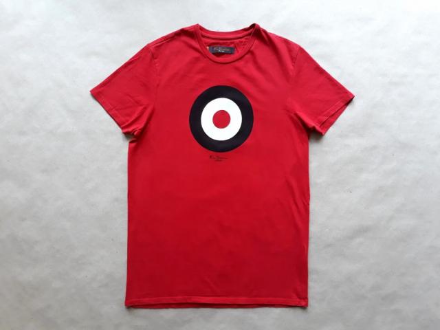 S . Ben Sherman . červené tričko s terčem