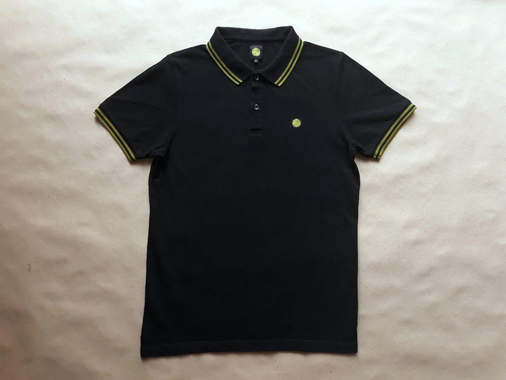 S . Pretty Green . černé polo se žlutozeleným proužkem