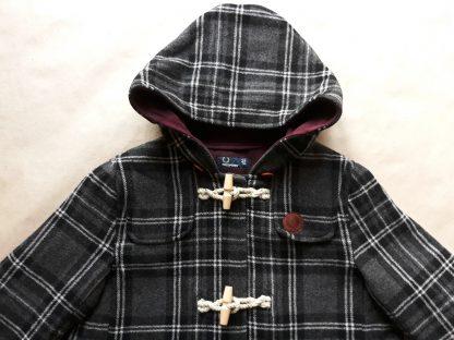 40 . Fred Perry . černo-šedý károvaný kabát