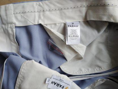 34/32 . Farah . světle modré kalhoty