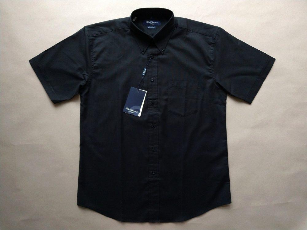 M/L . Ben Shermen . černá košile s krátkým rukávem