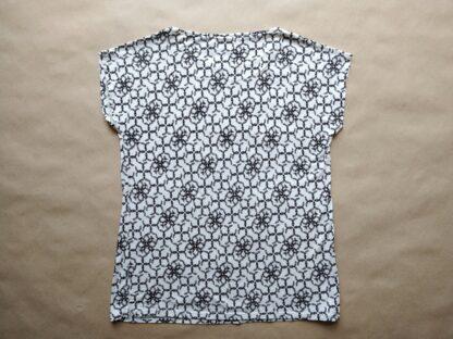 38 . Fred Perry . dámské volnější bílé tričko s černými věnečky