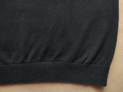 L . Warrior Clothing . černá vestička s červeným a bílým proužkem