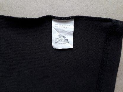38 . Lonsdale . černé tričko