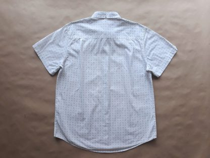 L . Ben Sherman . bílá košile se světle modrým paisley vzorem