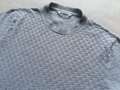 L . Ben Sherman . šedý kostkovaný svetr