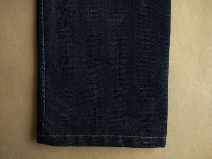 28 . Ben Shermen . tmavě modré džíny