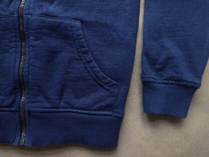 5–6 let . Lyle & Scott . tmavě modrá mikina s pruhy a s kapucí